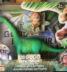 """Большой  набор игрушек """"Хороший динозавр""""."""