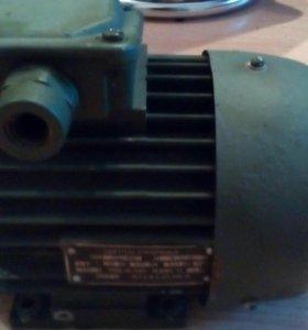 Асинхронный электродвигатель новый
