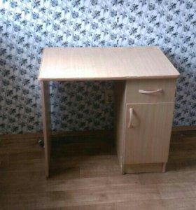 Стол и шкаф навесной