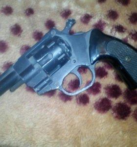 Револьвер газовый рг9