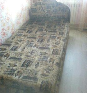 Продам кровать полторушка