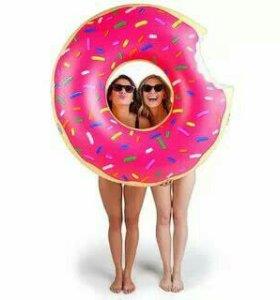 Надувной круг пончик новый 90 см