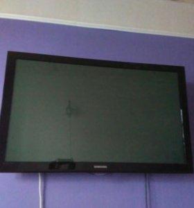 Телевизор на запчасти 109см.