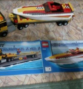 Lego city грузовик с лодкой