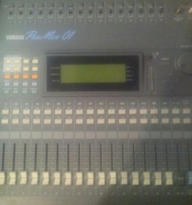 Микшер Yamaha ProMix 01