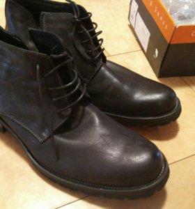 Новые ботинки 44 р. / Зима
