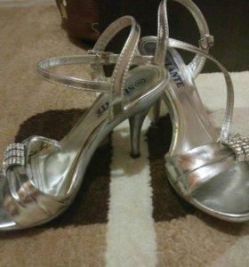 Обувь по 150 р