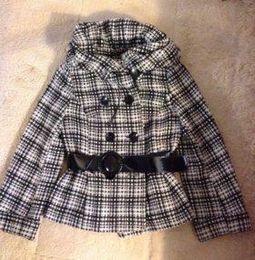 Короткое пальто в стиле Диор