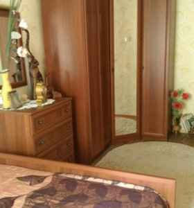 Шкаф, комод и зеркало