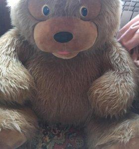 Большой плюшевый медведь 🐻