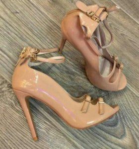 Новая обувь СРОЧНО!!!