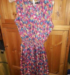 Новое женское платье из легкого материала