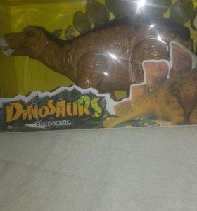 Игрушка Динозавр на батарейках