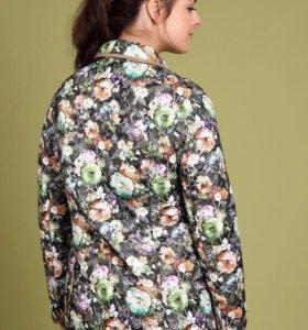 Новая куртка р56