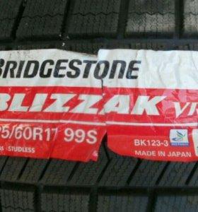 Зимние новые шины липучки bridgestone blizzak R17