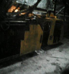 кидаю уголь