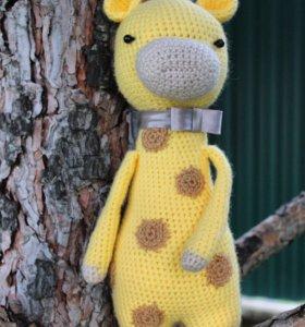Вязаная игрушка (жираффи)