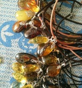 Продам подвески из балтийского янтаря