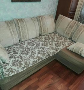 Продаю диван раскладной.