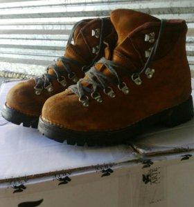 Ботинки альпинисткие