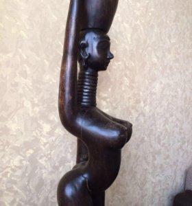 Статуя из дерева