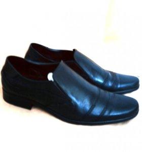Кожаные туфли новые 39 размер