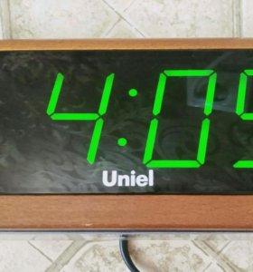 Настольные часы Uniel с будильником