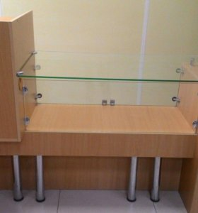 стол кассира