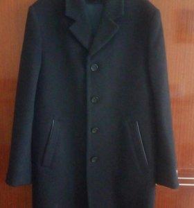 Пальто мужское 52 размер