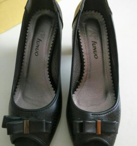 Туфли новые,размер-40.