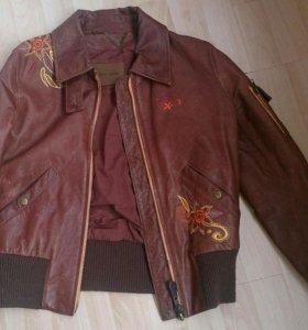 Pepe Jeans, кожаная куртка р.S