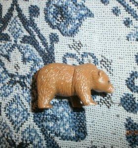 Киндер-сюрприз медведь