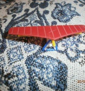 Киндер-сюрприз дельтаплан