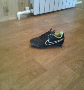 Бутсы TEMPO Nike