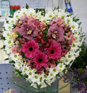 Любые цветочные композиции в букете или корзине