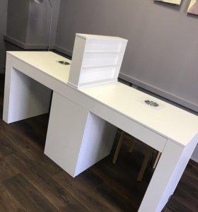 Маникюрный стол с пылесосами