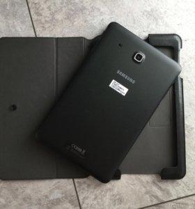 Планшет Samsung Tab E SM-T561