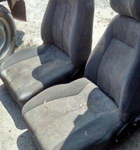 Сиденья передние ВАЗ 2110-12