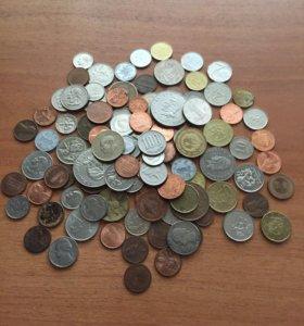 Одна куча иностранных монет
