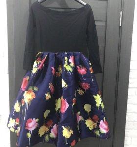 Платье. S