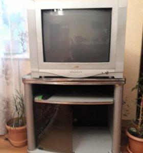 С подставкой телевизор