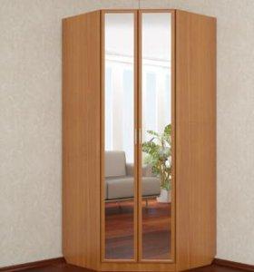 Угловой шкаф с зеркалами