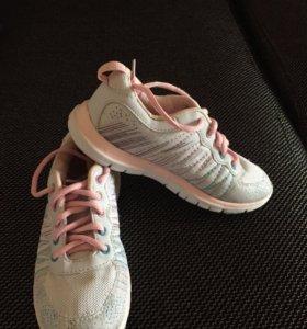 Обувь для девочки все по 150
