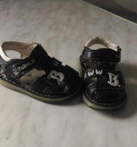 Продам обувь для малышей