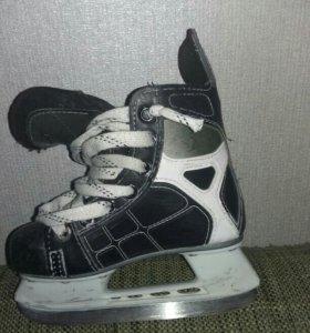 Хоккейные коньки. ССМ