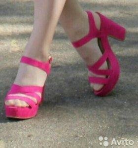 Продам платье и туфли