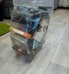DVD диски и кассеты с фильмами
