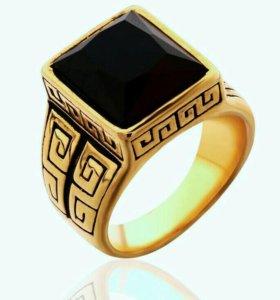 Стильный перстень в античном стиле.