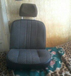 Сиденье передние водительское
