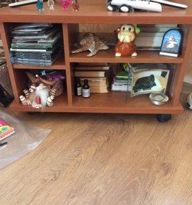 Шкаф+тумбочка+стол для телевизора